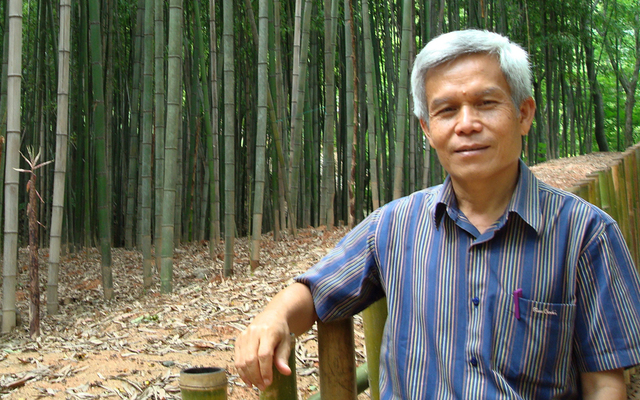 Obama aide to meet with wife of missing UH-educated Laotian activist